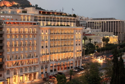 King George, Syntagma Square
